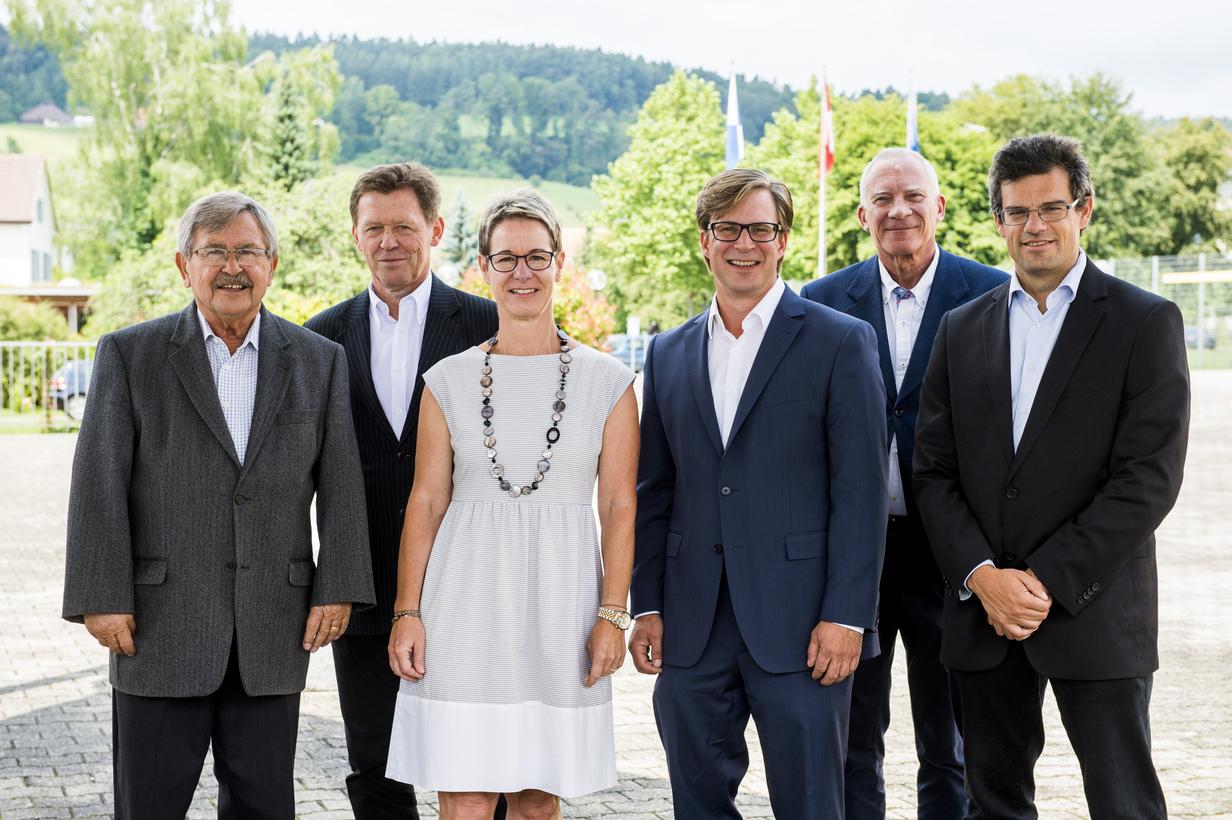 Gruppenbild GR Neftenbach (ohne Beat Brandenberger)